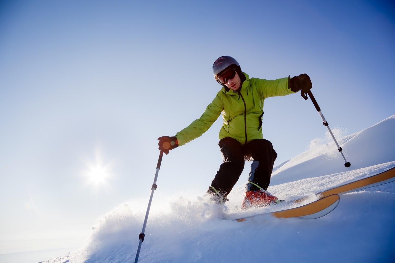 Что взять на отдых – лыжи или сноуборд? Лыжи